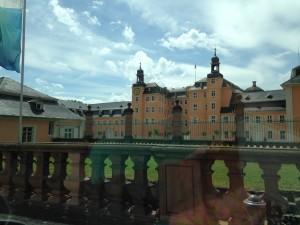 Da der Prinz im Moment sehr merkwürdige Schlafgewohnheiten hat machten wir uns gleich auf den Weg und fuhren zum Schloss Schwetzingen, es ist wunderschön dort