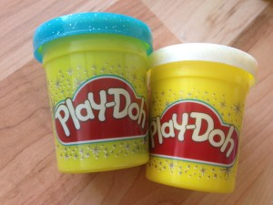 1. Adventskalender Playdoh_Glitzerknete