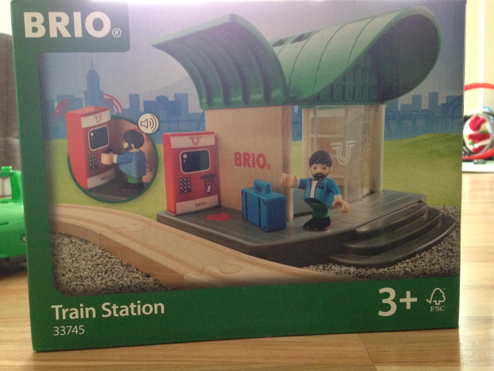 Brio_train-station