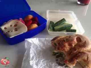 Mittagessen_Sandwich_Erdbeeren
