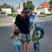 Beinschulung-Frau-Papa-Familie