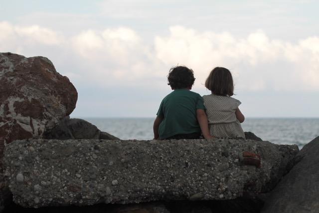 kleine-landstreicher-Geschwisterliebe