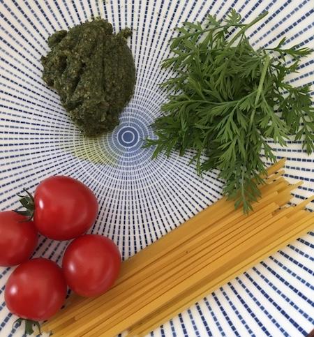 Pesto-Moehrenkraut-Spaghetti