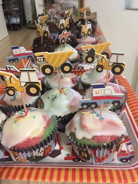 Geburtstagsparty-Bagger-Muffins
