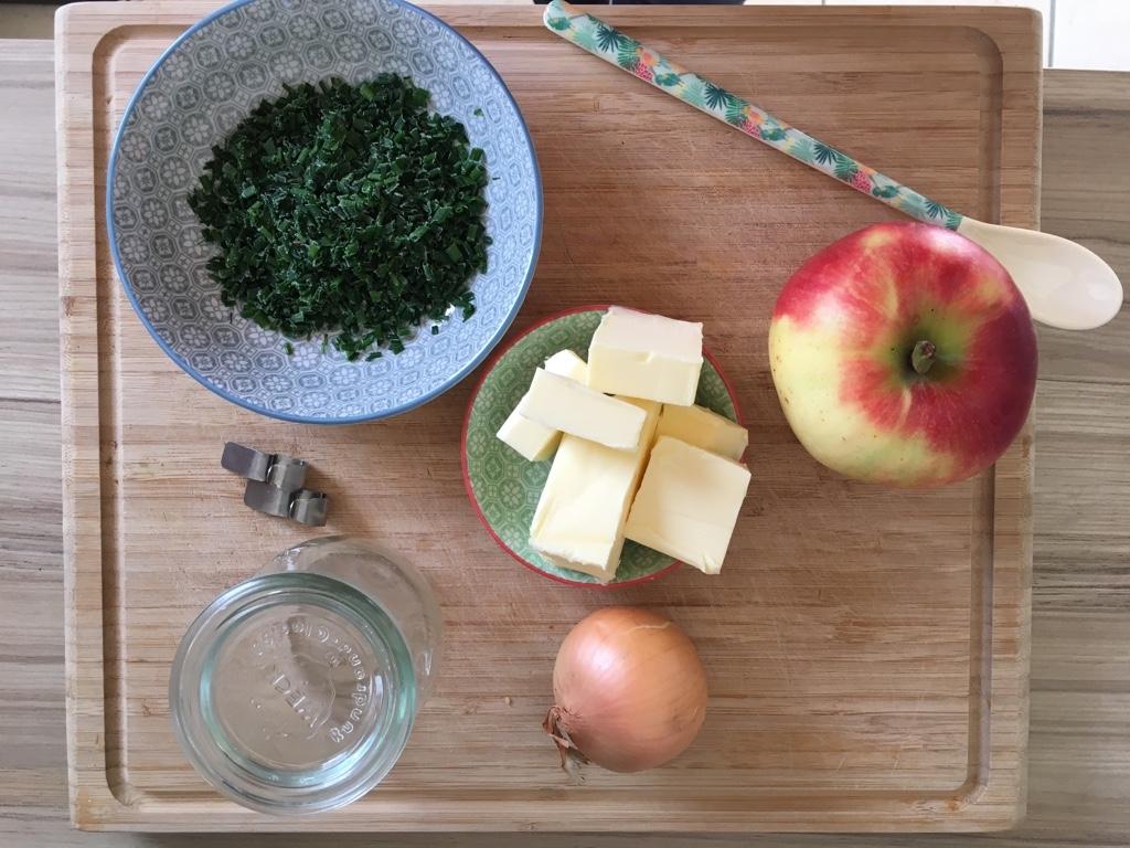 Apfel-Zwiebel-Butter-Zutaten