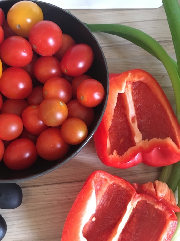 Lauchzwiebel-Tomate-Paprika