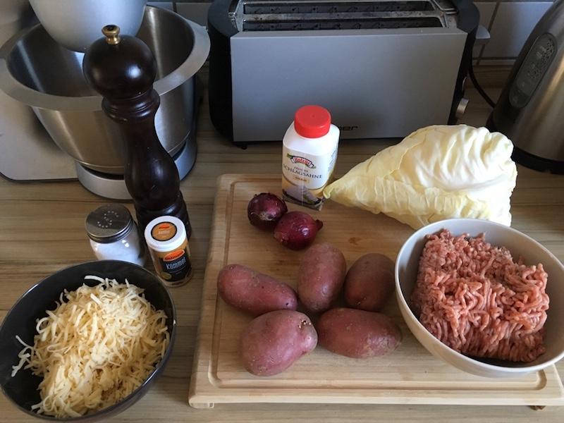 Zutaten-Hack-Spitzkohl-Kartoffeln-Auflauf