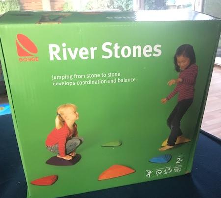 Garten-Spielplatz-Rivre-Stones