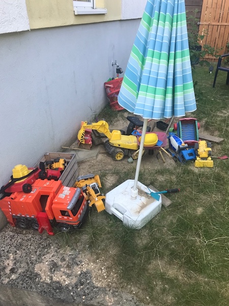 Garten-Spielplatz-vorher-trostlos