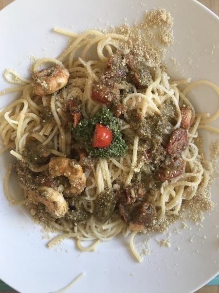 wildkraeuter Pesto Spaghetti Garnelen